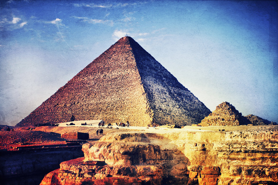 an introduction to the pyramids of giza built in 2650 bc in ancient egypt Giza pyramid is the evidence for the knowledge of ancient egyptians in science uploaded by developmentnet work why did giza (khufu) pyramid build analyzed by: k.